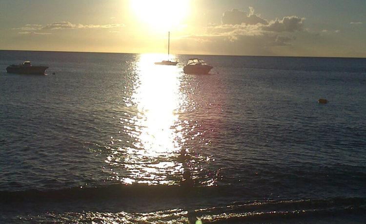 Découvrez l'ile de la Martinique - Coucher de Soleil